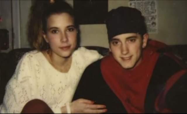 Эминем и Кимберли Энн Скотт. Пара познакомилась еще в школе, когда были совсем не знаменитыми подростками.