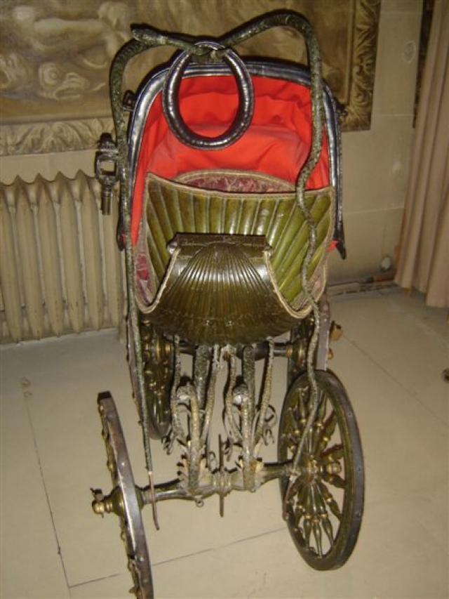 До 1840-х годов коляски были роскошью, которую могли позволить себе только очень знатные и очень богатые люди.