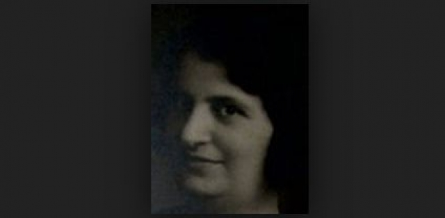 Мария Неизвестная , называвшая себя Аверис Яковелли появилась в одной из польских деревень 23 января 1919 года. Ее тело было покрыто шрамами от серьезных ранений. Аверис пыталась несколько раз вернуться в Россию, но в конечном итоге в 1921 году вышла замуж за польского солдата и родила сына Николая.