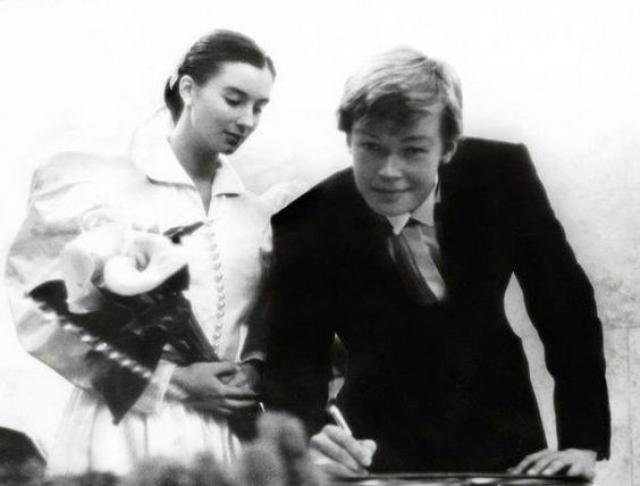 Екатерина и Александр Стриженовы стали парой еще будучи подростками, а как только позволил возраст - расписались.
