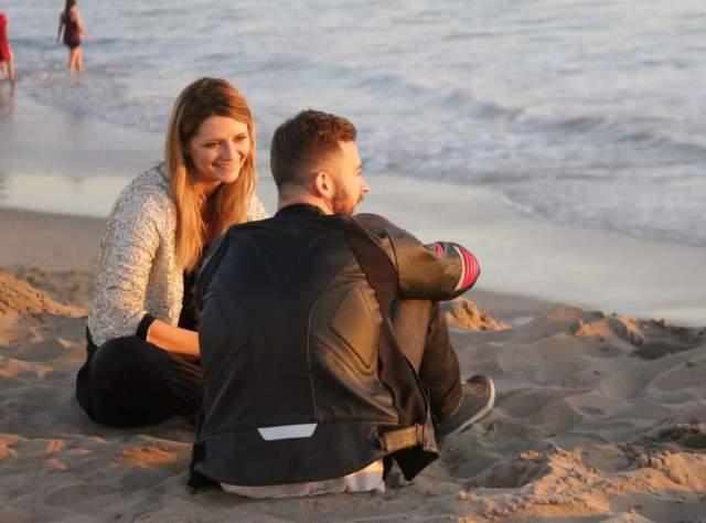 О Чигвинциве также ходили слухи, будто он встречается со своей бывшей партнершей по шоу Dancing With the Stars, актрисой Мишей Бартон.