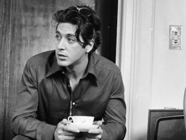 Аль Пачино, 78 лет . У этого актера трое детей, но он ни разу в жизни не был женат. Единственная любовь, которой он оставался верен всю жизнь - это любовь к кофе.