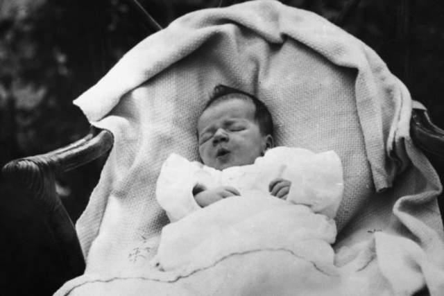 Чарльз Линдберг-младший. Похищение сына пилота Чарльза Линдберга и его жены Энн стало одним из самых громких уголовных дел 20 века. Мальчика увезли из дома четы в Ист-Эмвилле, Нью-Джерси, вечером 1 марта 1932 года.