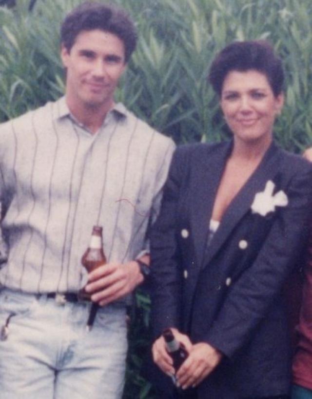 Ее любовником был голливудский фильммейкер Тодд Вотерман . Однако оставила она первого мужа ради другого мужчины, Брюса Дженнера.