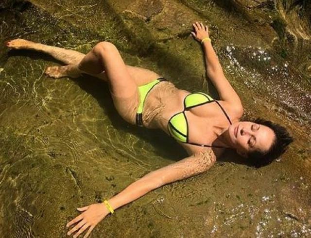 Ольга Кабо. В 49 лет актриса сохраняет идеальную фигуру и выглядит просто великолепно.