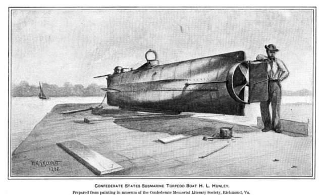 Во время разработки третьей, в 1863 году, он и семь членов экипажа утонули в водах у города Чарльстона. Лодку подняли со дна и отправили на задание с новым экипажем. На этот раз команда осталась жива, и ей удалось даже потопить вражеский корабль.