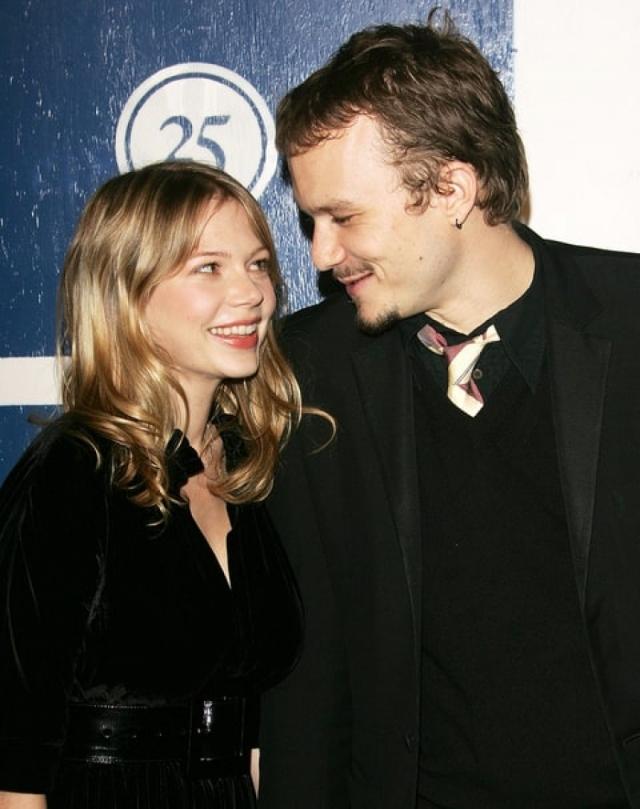 """Мишель Уильямс. Актриса и ее коллега Хит Леджер познакомились во время съемок фильма """"Горбатая гора"""". Вскоре ни для кого не было секретом, что молодые люди по уши влюблены друг в друга."""