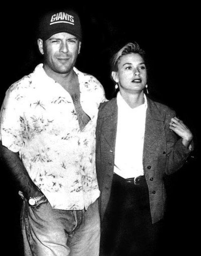 После развода с Фредди актриса встретила Брюса Уиллиса . Вместе они официально прожили 13 лет, родив в браке троих дочерей. Пару считали одной из самых крепких и красивых в Голливуде.