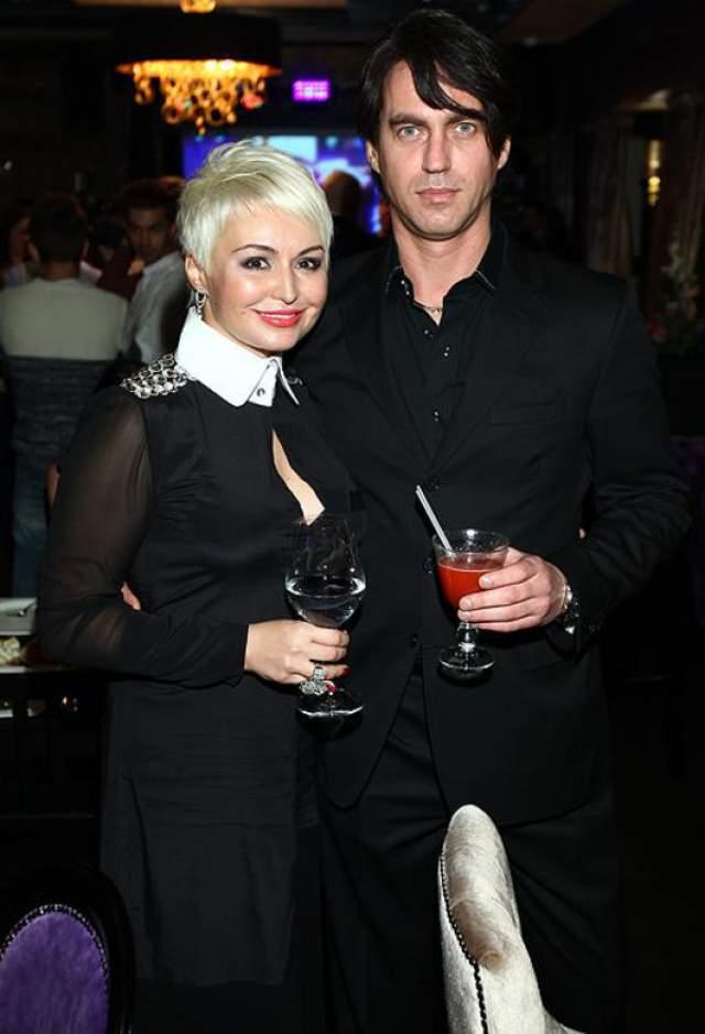 Катя Лель. Певица замужем за Игорем Кузнецовым, бизнесменом и мастером спорта по прыжкам в высоту.