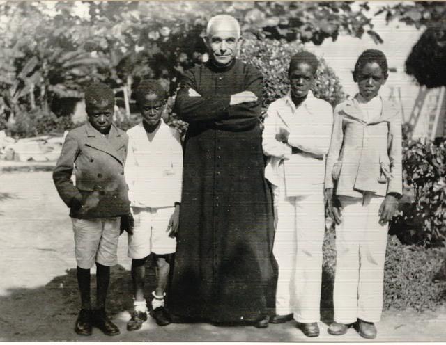 Уже в религиозном сане он строит монастыри, обучает неимущих и занимается прочей благотворительностью до самой смерти…