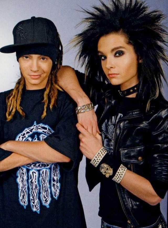 Том и Билл Каулитцы. Немецкая группа Tokio Hotel под предводительством братьев-близнецов со странным имиджем в нулевых завоевала мировую популярность.