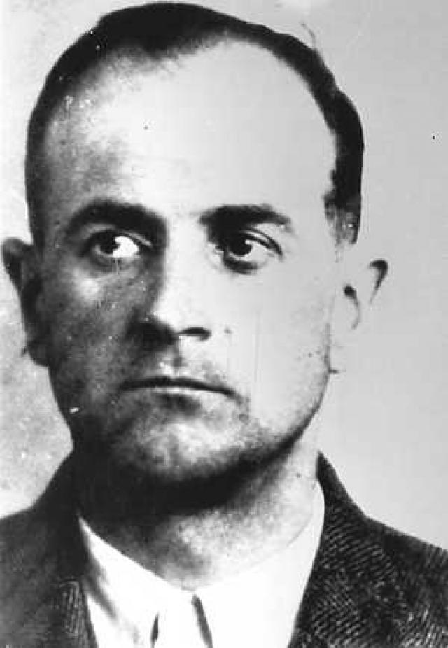 Два года после окончания войны Рошман находился в лагере военнопленных у союзников, однако затем был освобожден. В 1947 году его повторно арестовала британская военная полиция в Граце, но на этот раз он бежал.