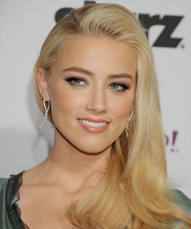 С тех пор Эмбер не изменяла привычному роковому блонду.