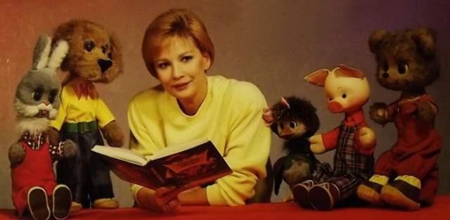 """Татьяна Веденеева. Одна из самых популярных телеведущих в конце 80-х - начале 90-х. Вела передачи """"Спокойной ночи, малыши!"""", """"Утро"""", """"Будильник"""", """"В гостях у сказки"""" и """"Песню года""""."""