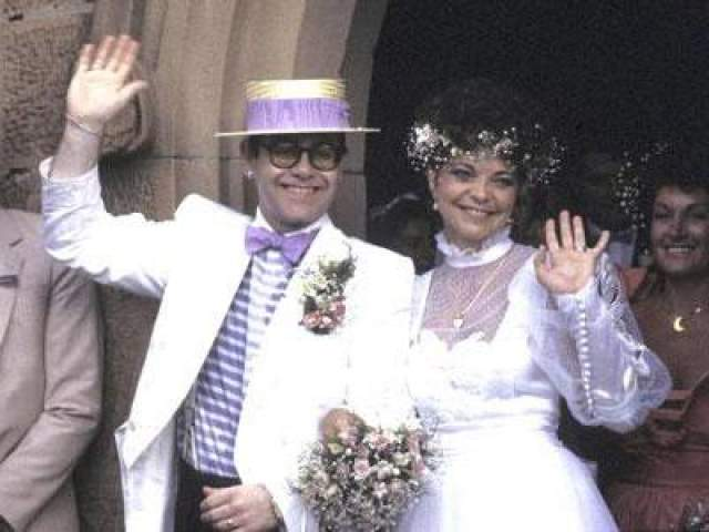 Несколько лет спустя, после окончания брака со звукотехником Ренатой Блауэр, на время отвлекшим внимание от шокирующего признания звезды, Элтон Джон сообщил о том, что является, скорее, гомосексуалом, нежели бисексуалом.