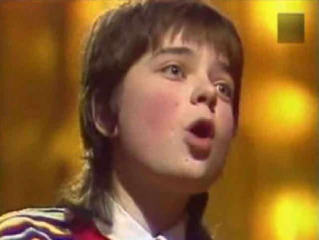 Наташа Королева родилась в Киеве, а впервые вышла на сцену в 1976 году, в трехлетнем возрасте, в составе Большого детского хора радио и телевидения Украины.