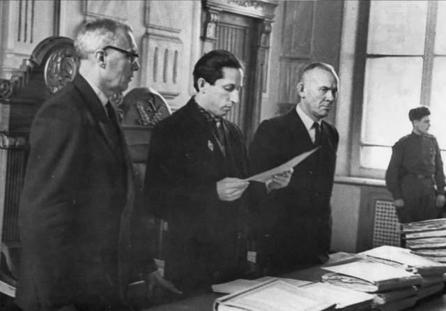 """Студенты были морально истощены, а потому легко поддались на уговоры """"журналиста"""" вернуться, обещая условный срок. В СССР обоим дали реальные сроки - 10 и 12 лет."""