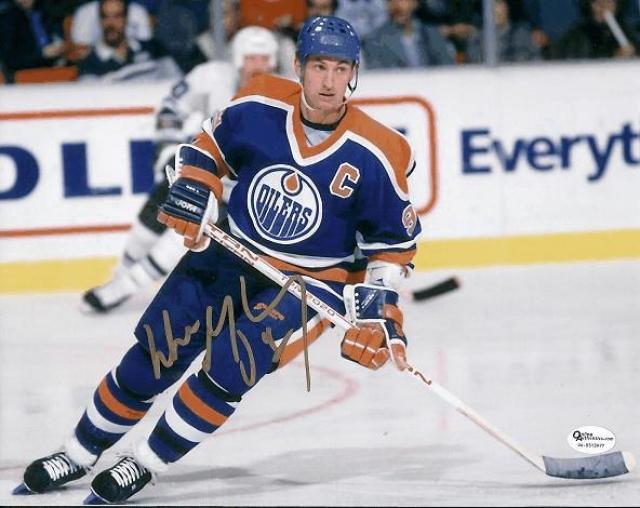 Уэйн Гретцки. Общепризнанно лучший хоккеист в истории, достижения которого занимают несколько страниц.