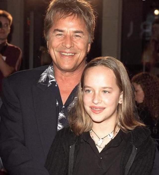 Дакота Джонсон. Актриса появилась на свет в результате бурного романа актеров Мелани Гриффит и Дона Джонсона, отношения которых начались, когда Мелани было всего 16.