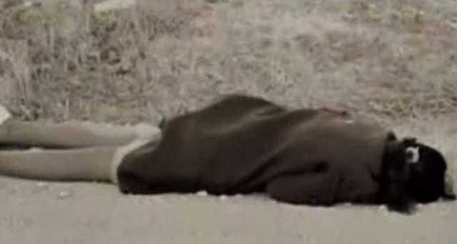 Жертв нашли через несколько минут после произошедшего. Сумки с деньгами не было. У оперативников возник вопрос, почему водитель остановился при виде бандитов: появилась версия, что они либо были знакомы, либо были одеты в милицейскую форму.