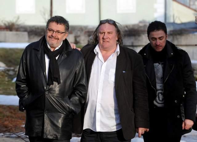 Заседания длились почти год, после чего Депардье назначили штраф в четыре тысячи евро и лишили прав на шесть месяцев.