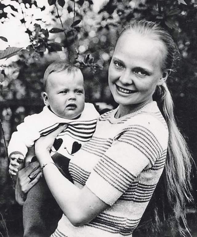 Наталья Белохвостикова с дочерью Наташей.