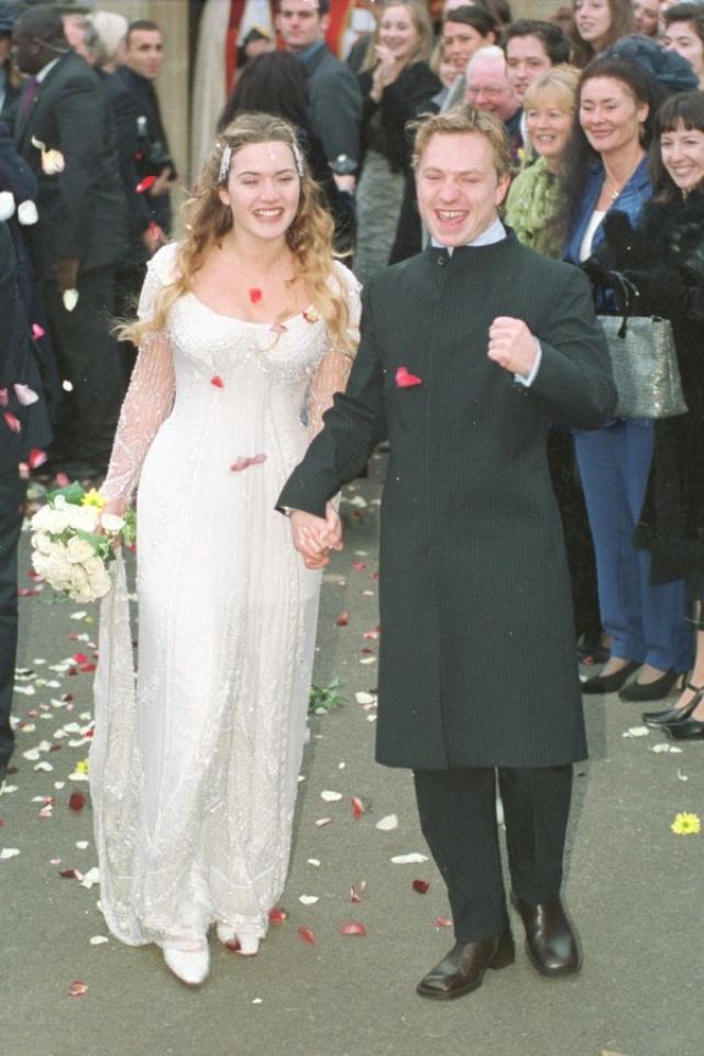"""Кейт Уинслет (3 брака). В 23 года звезда """"Титаника"""" вышла замуж за режиссера Джима Триплтона , с которым познакомилась на съемках. Через два года у супругов родилась дочь Мия, однако вскоре после этого пара решила расстаться."""