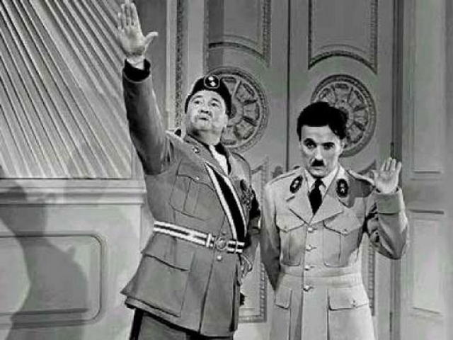 """После выхода """"Диктатора"""" на экраны нацистская пропаганда начала называть Чаплина евреем. По данным документального фильма """"The Tramp and the Dictator"""" (2001 год), фильм """"Великий диктатор"""" был послан Гитлеру, и Гитлер посмотрел его."""