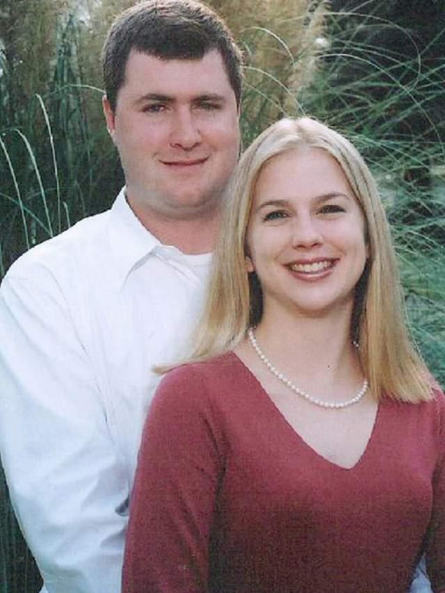 Водолазы случайно обнаружили труп 26-летней Тины Уотсон, погибшей 22 октября 2003 года во время медового месяца. Девушка с супругом по имени Гейб отправились на медовый месяц в Австралию, где они и решили заняться дайвингом.
