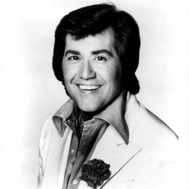 Уэйн Ньютон. В 1960-1970-е певец был настоящей иконой поп-музыки.