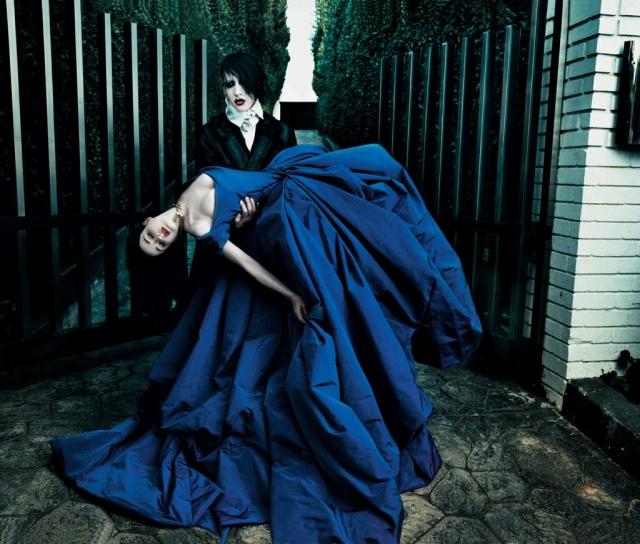 Дита фон Тиз и Мэрилин Мэнсон. Необычная свадьба королевы бурлеска и шок-рокера состоялась в ноябре 2005 года и конечно же стала одной из самых оригинальных.
