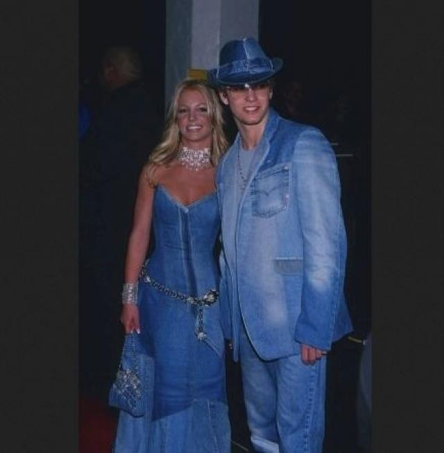 Он же в компании Бритни Спирс, при этом обе звезды будто ограбили джинсовый магазинчик.