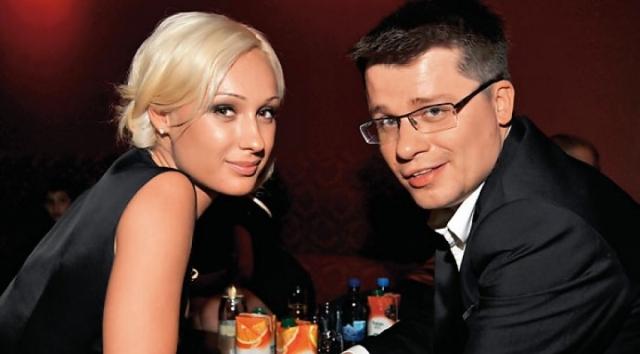 Юлия Харламова. Скандальный развод девушки с Гариком Харламовым в начале 2013 года обсуждала вся страна.