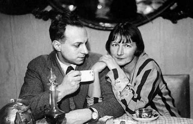 В первый раз Катерина выскочила замуж в 18 лет за юриста Владимира Блюмфельда, вторым мужем стал скульптор Константин Топуридзе, с которым она прожила 40 лет. Своих детей у Зелёной не было. Она воспитала двух сыновей Топуридзе.