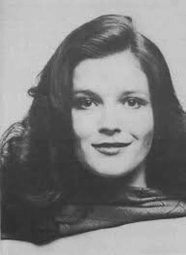 """Кейт Малгрю. Звезда сериала """"Оранжевый - хит сезона"""" забеременела в 1977 году, когда ее карьера в мыльных операх только начиналась. Ко всему прочему добавлялся тот факт, что за отца ребенка она замуж не собиралась."""