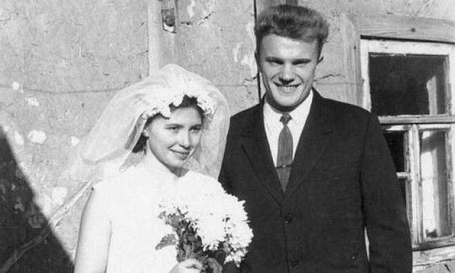 Свадьба Геннадия и Надежды Зюгановых в 1966 году.