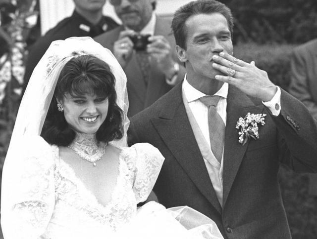 Арнольд Шварценеггер был женат на Марии Шрайвер, племяннице президента США Джона Кеннеди, являющегося одним из символов Демократической партии, у пары родилось четверо детей.