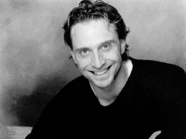 Актер и хореограф Роберто Компанелла.