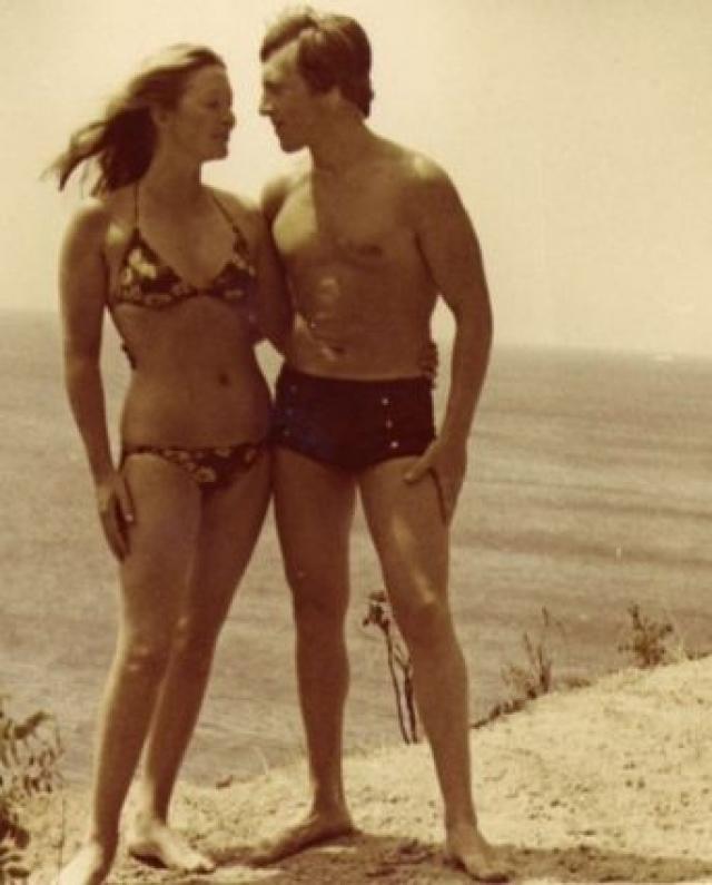 """Когда венгерский режиссер Мессарош снимал Влади в фильме """"Их двое"""". И чтобы Высоцкий мог быть с женой, режиссер специально придумал для него эпизодическую роль."""