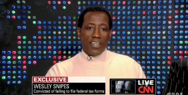 Уэсли Снайпс. 24 апреля 2008 года федеральный суд города Окала приговорил актера к трем годам тюрьмы за уклонение от уплаты налогов: с 1999 по 2001 год Снайпс задолжал государству более 15 миллионов долларов.