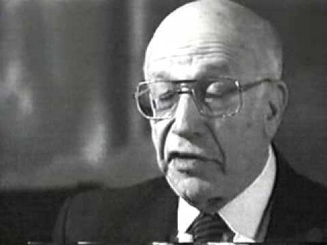 Берг продолжил работать на советскую науку и умер в Москве 1 августа 1998 года.