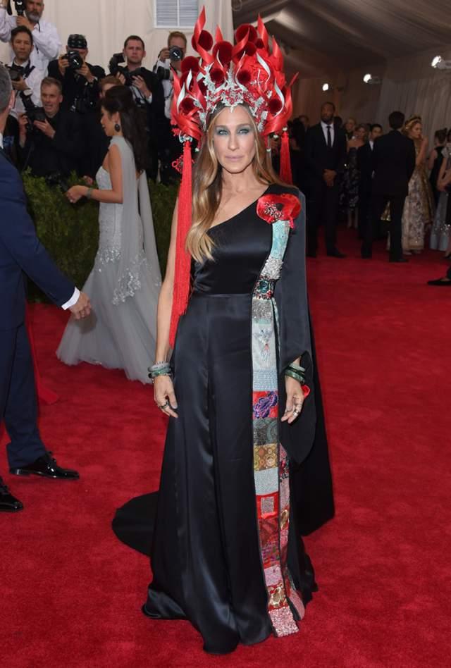 Сара Джессика Паркер предпочла очень странный наряд H&M.
