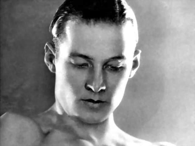 Рудольф Валентино. 1895-1926. Американский киноактер родом из Италии, ставший секс-символом эпохи немого кино.