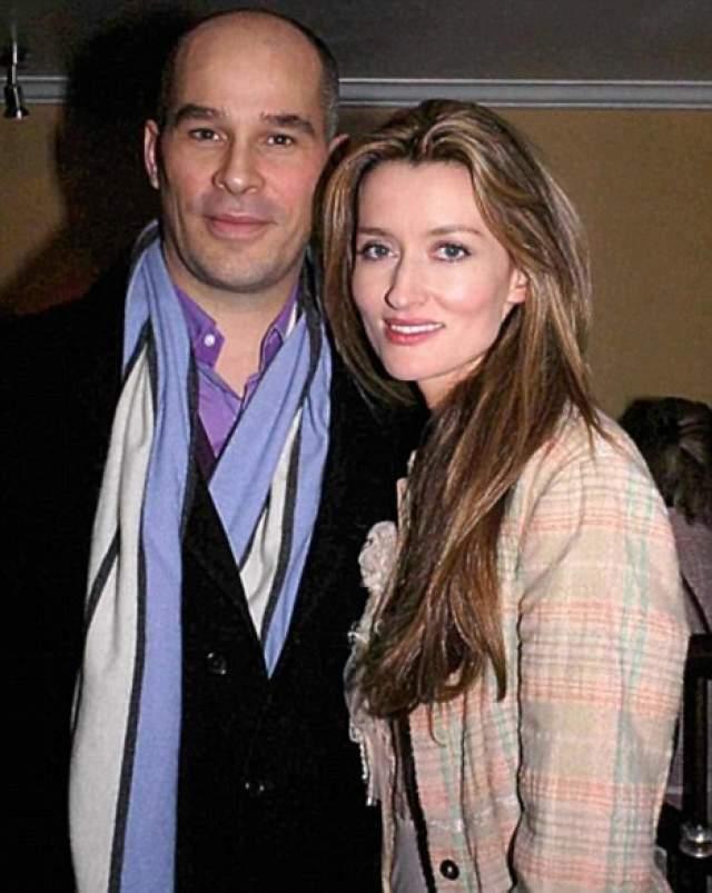 В разгар своей кинокарьеры, 19 мая 1998 года, МакЭлхоун вышла замуж за известного пластического хирурга Мартина Хиригойена Келли. В 2000 году у них появился сын Теодор, в 2003-м - Отис.