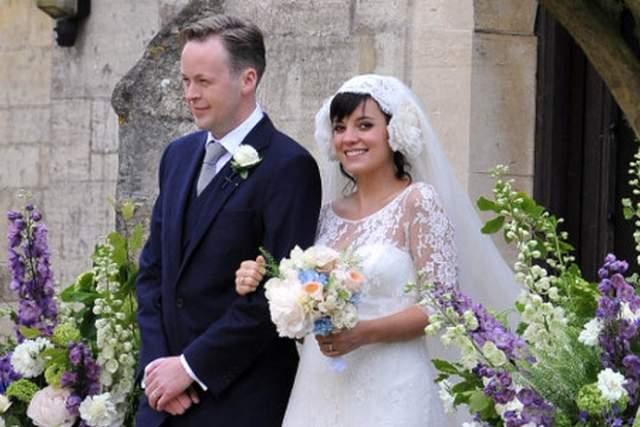 Уже через три года Аллен вышла замуж. Ей было 26 лет. Муж - миллиардер Сэм Купер - на семь лет старше нее, прежде не был женат, в порочащих связях не был замечен. Вроде бы, все хорошо складывалось, да только в конечном итоге и не сложилось.