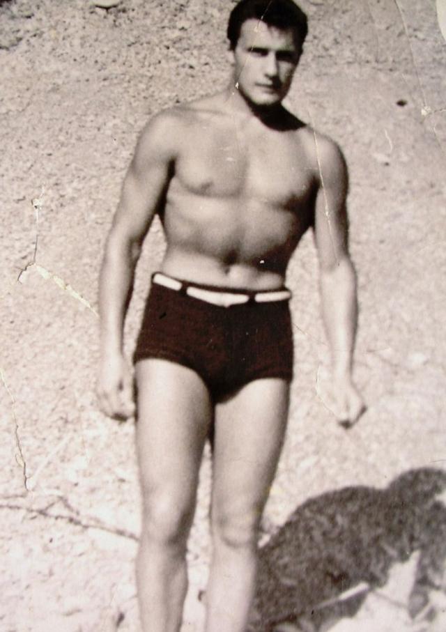 Александр Пороховщиков. Актер также в юности был боксером, провел 20 успешных боев на ринге, добившись взрослого разряда.