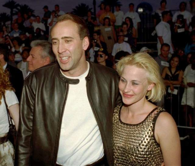 """Их брак продлился шесть лет. Какое-то время актриса еще удерживала внимание публики благодаря своим ролям. Сыграв Эллисон Дюбуа в сериале """"Медиум"""", актриса получила """"Эмми"""", но после этого карьера ее явно пошла на спад."""