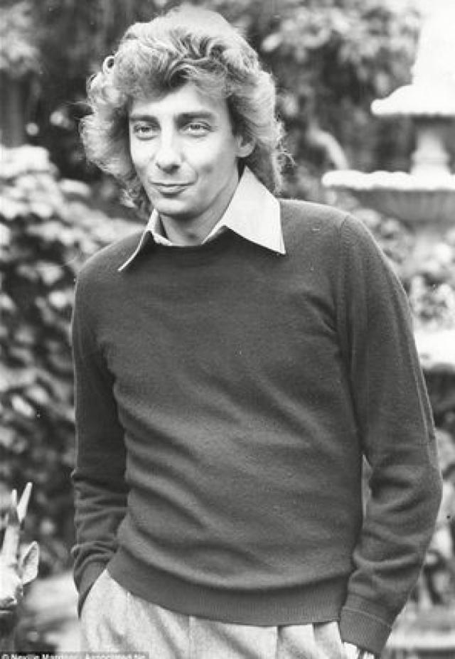 Барри Манилоу. В 1970-е поп-исполнитель был настоящим покорителем женских сердец, однако чего-то ему не хватало.