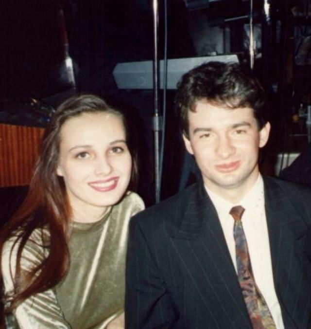 """Агнешка завоевала титул """"Мисс Интернешнл - 1991"""" и вышла замуж. Как позже признался Ежи, именно этим """"она сломала ему жизнь"""", и он должен был отомстить."""