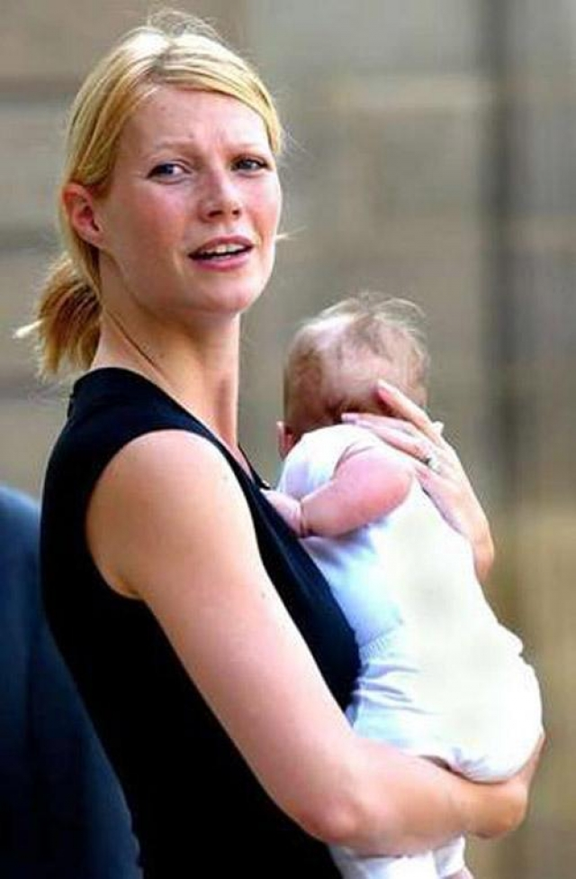 После этого случая звезды стали сами продавать фото своих младенцев за миллионные суммы.